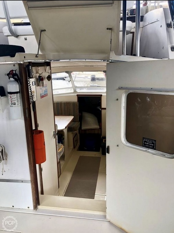 1982 Phoenix boat for sale, model of the boat is 29 & Image # 10 of 17