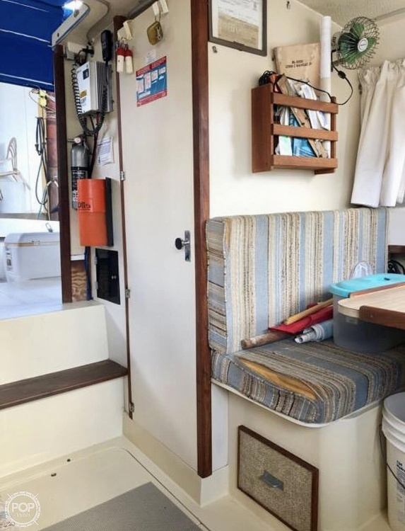 1982 Phoenix boat for sale, model of the boat is 29 & Image # 14 of 17