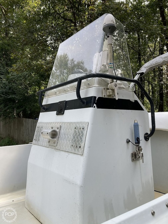 1996 Boston Whaler boat for sale, model of the boat is Guardian 19 & Image # 21 of 34