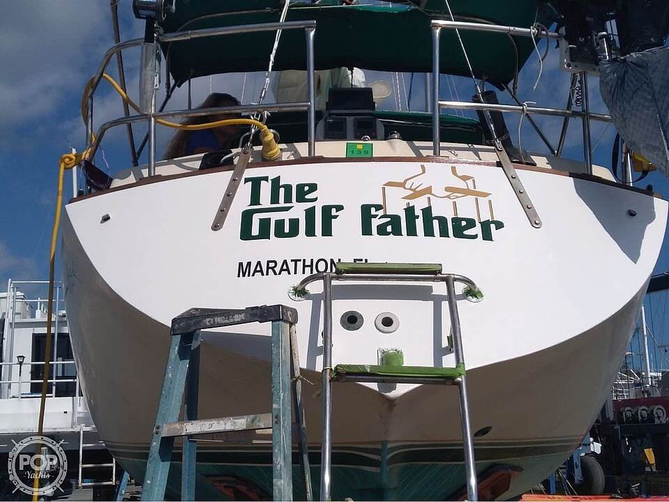 1977 Islander boat for sale, model of the boat is 32 & Image # 2 of 11