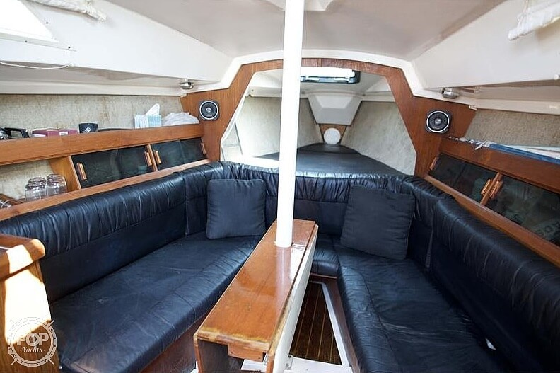 1985 Hunter boat for sale, model of the boat is 28.5 & Image # 5 of 40