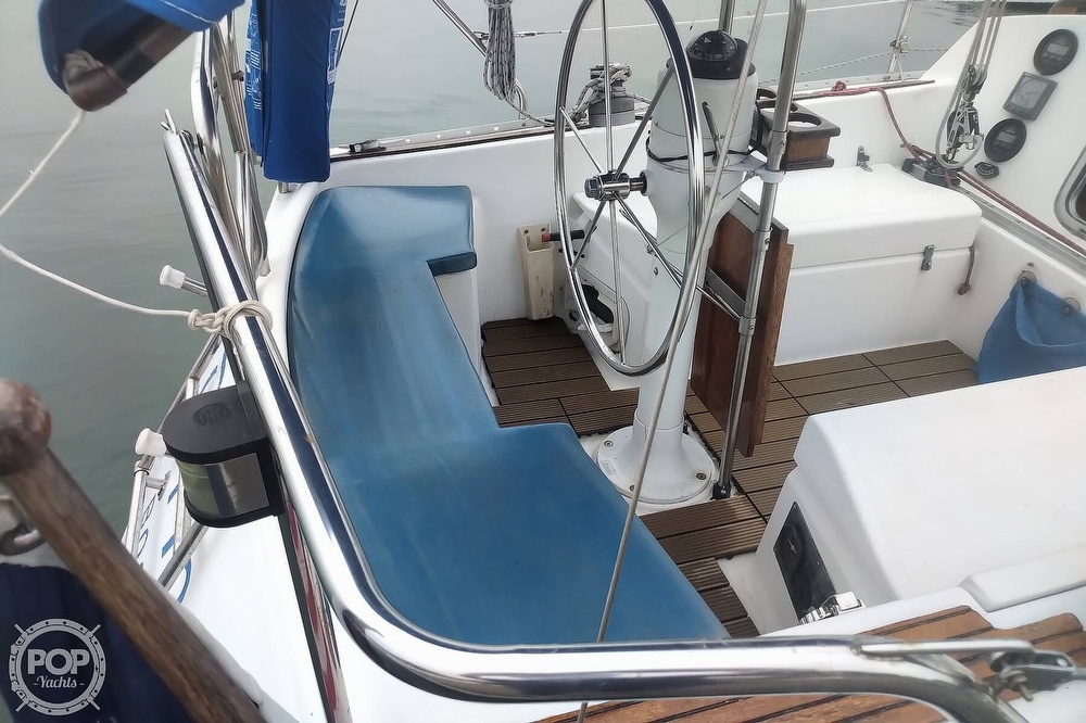 1985 Hunter boat for sale, model of the boat is 28.5 & Image # 33 of 40