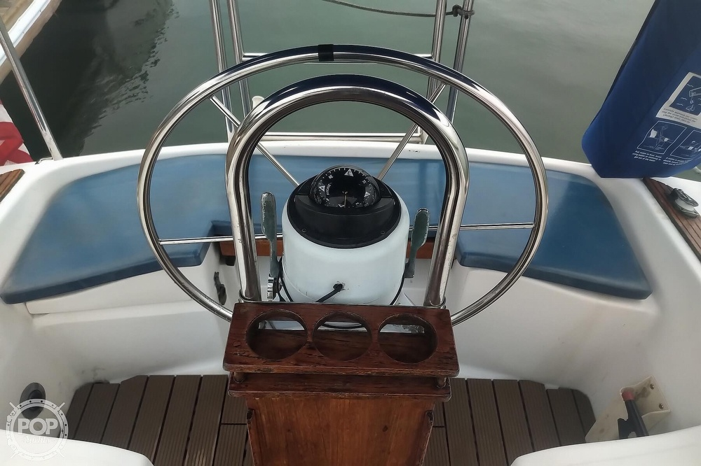 1985 Hunter boat for sale, model of the boat is 28.5 & Image # 37 of 40