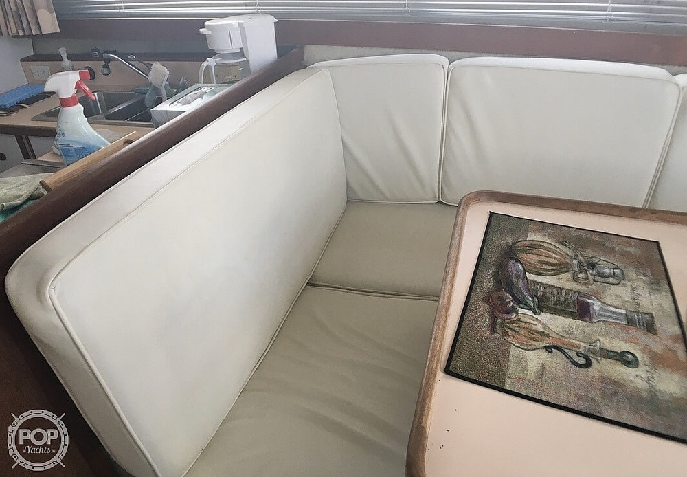 1987 Carver boat for sale, model of the boat is 3697 Mariner & Image # 4 of 40