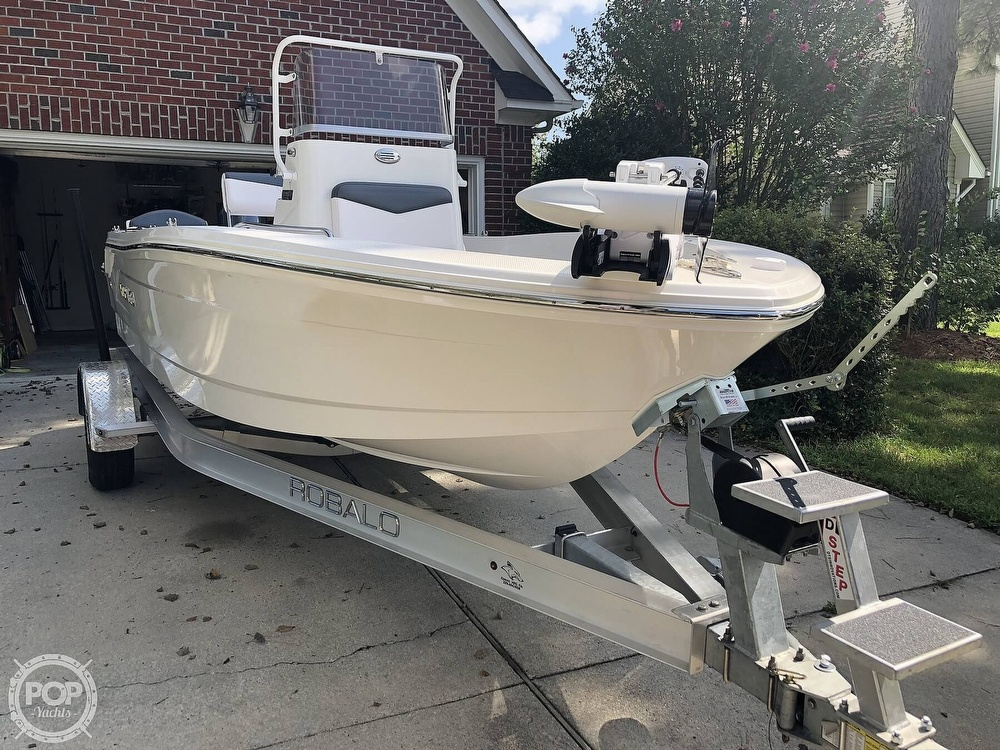 2019 Robalo boat for sale, model of the boat is R160 & Image # 9 of 41