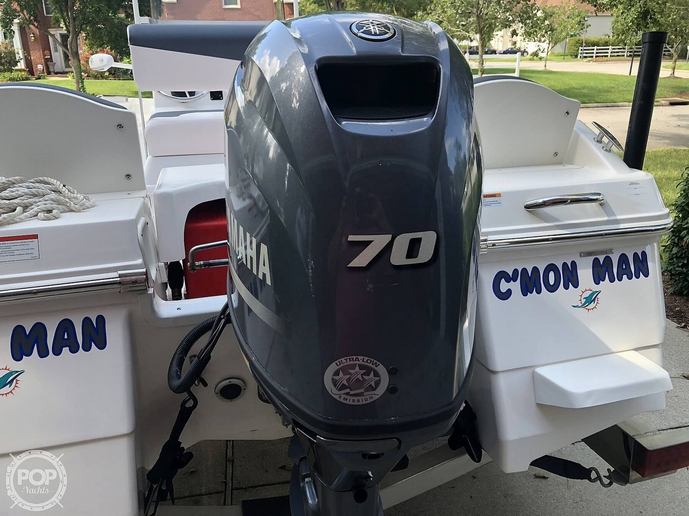 2019 Robalo boat for sale, model of the boat is R160 & Image # 14 of 41