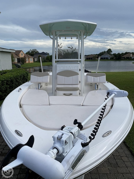 2017 Robalo boat for sale, model of the boat is 226 Cayman & Image # 4 of 41