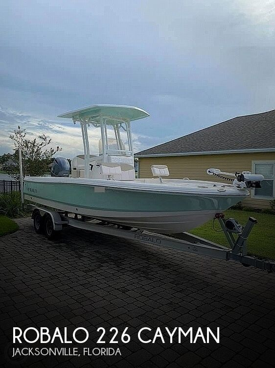 2017 Robalo boat for sale, model of the boat is 226 Cayman & Image # 1 of 41