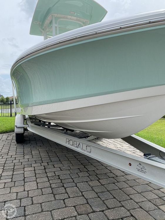 2017 Robalo boat for sale, model of the boat is 226 Cayman & Image # 24 of 41