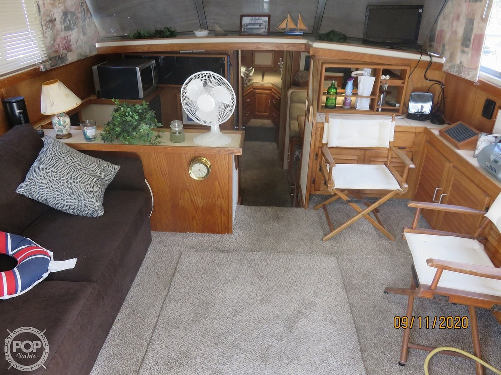 1986 Silverton boat for sale, model of the boat is 37 Convertible & Image # 4 of 40