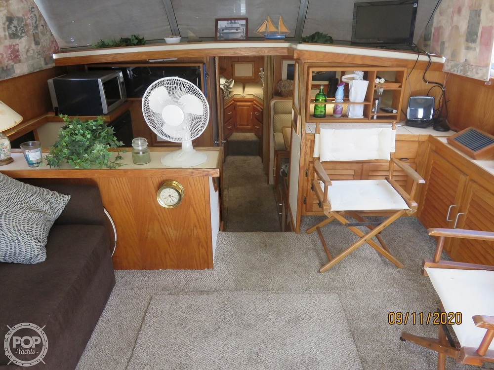 1986 Silverton boat for sale, model of the boat is 37 Convertible & Image # 7 of 40