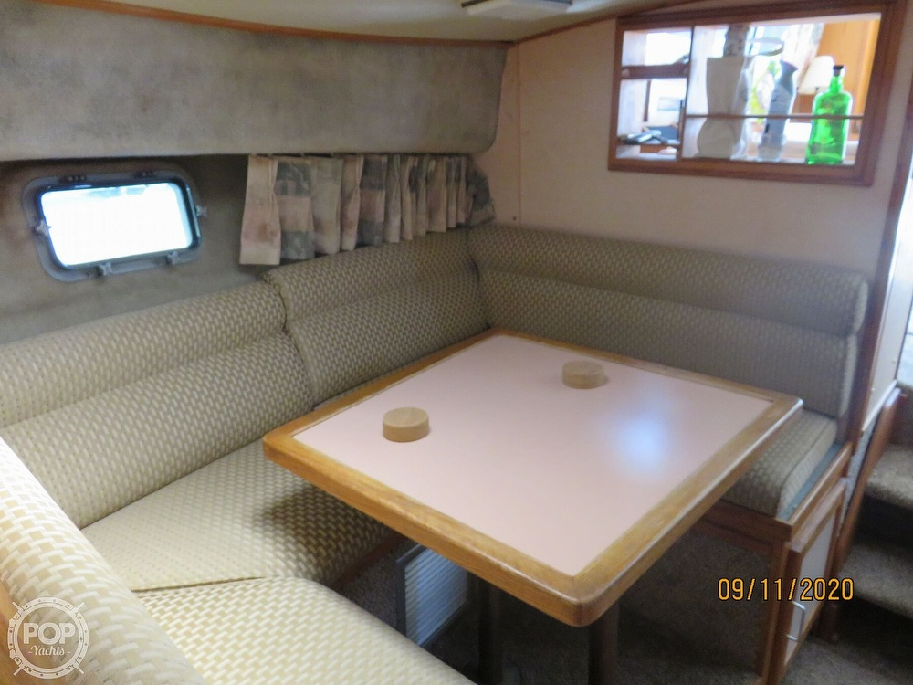 1986 Silverton boat for sale, model of the boat is 37 Convertible & Image # 9 of 40