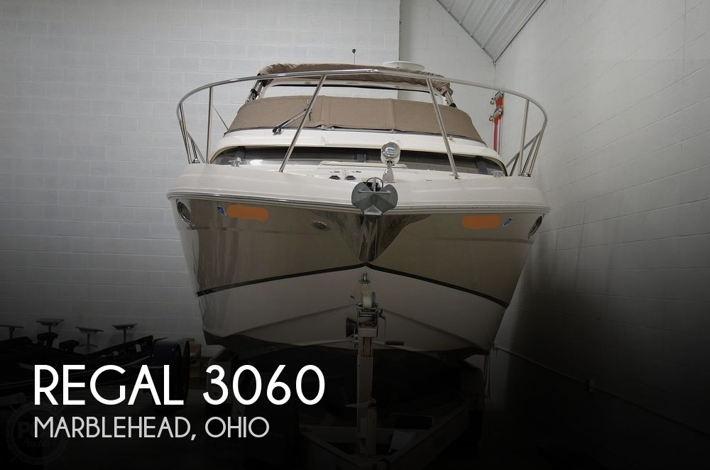 2007 Regal boat for sale, model of the boat is 3060 Window Express & Image # 1 of 40