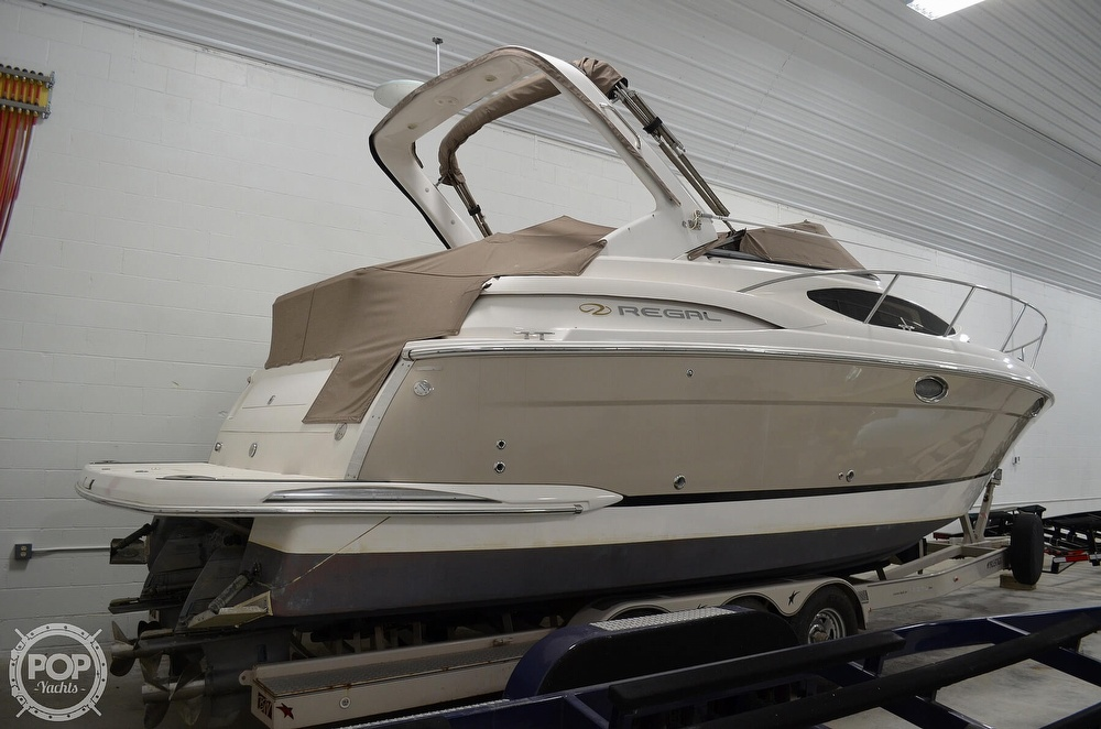 2007 Regal boat for sale, model of the boat is 3060 Window Express & Image # 5 of 40