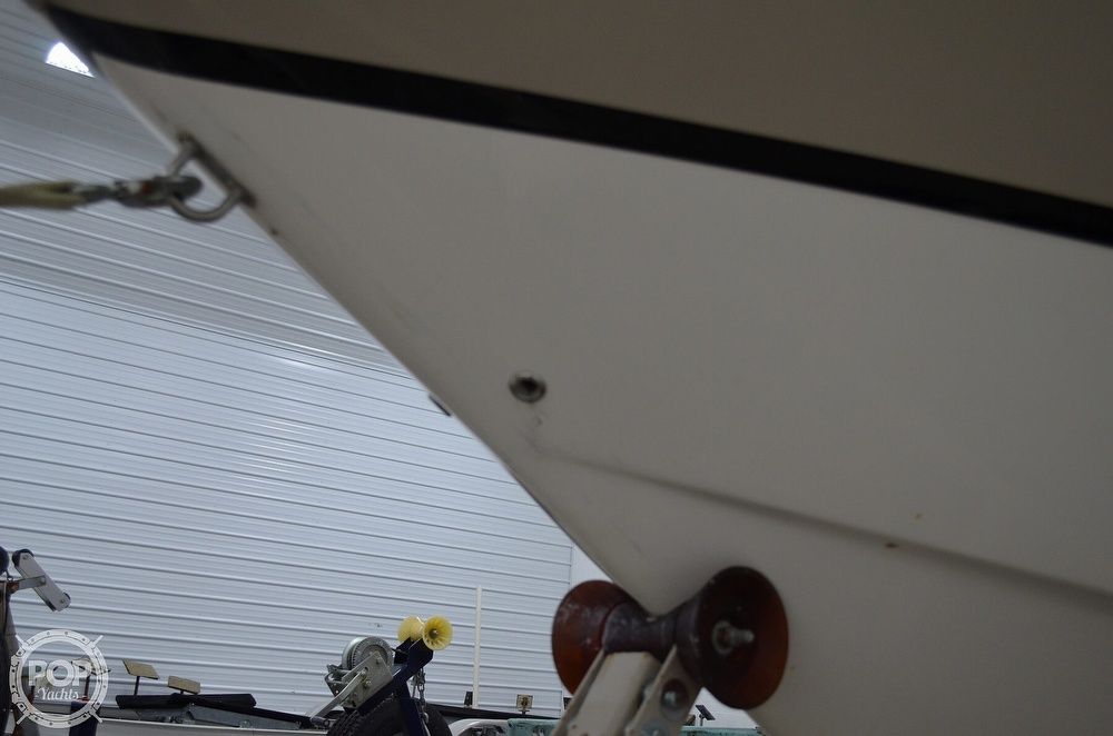 2007 Regal boat for sale, model of the boat is 3060 Window Express & Image # 15 of 40