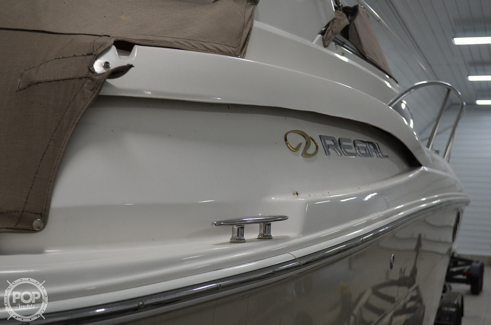 2007 Regal boat for sale, model of the boat is 3060 Window Express & Image # 34 of 40