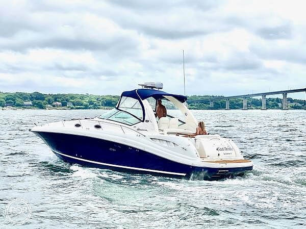 2004 Sea Ray boat for sale, model of the boat is Sundancer 340 & Image # 2 of 40