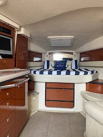 2004 Sea Ray boat for sale, model of the boat is Sundancer 340 & Image # 11 of 40