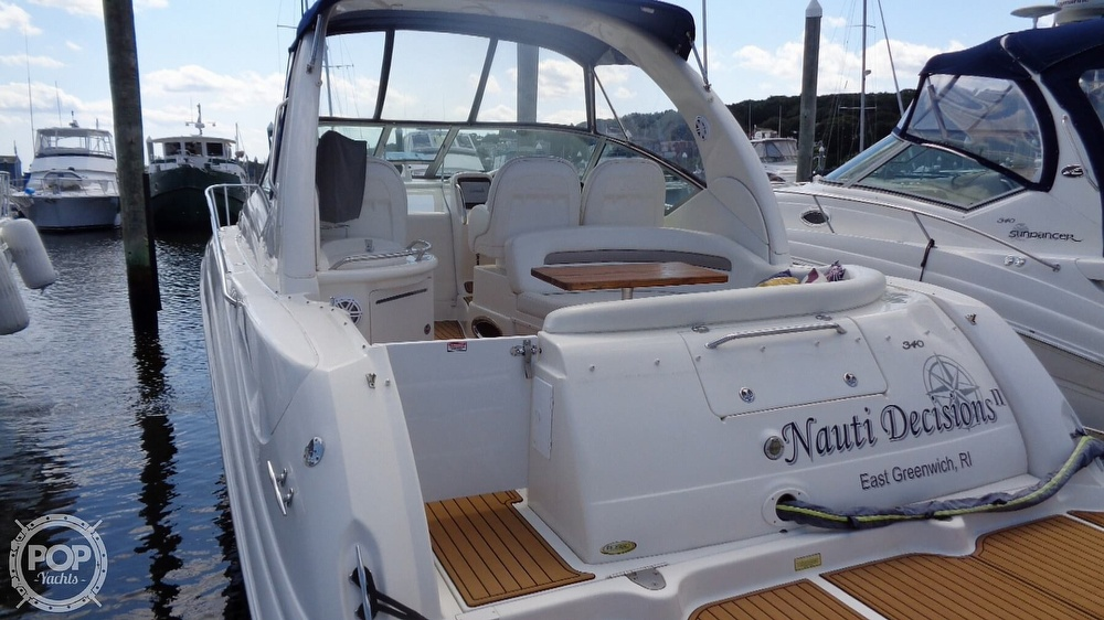 2004 Sea Ray boat for sale, model of the boat is Sundancer 340 & Image # 28 of 40