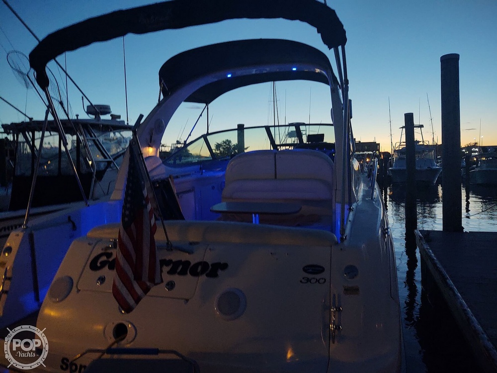 2004 Sea Ray boat for sale, model of the boat is 300 Sundancer & Image # 9 of 40