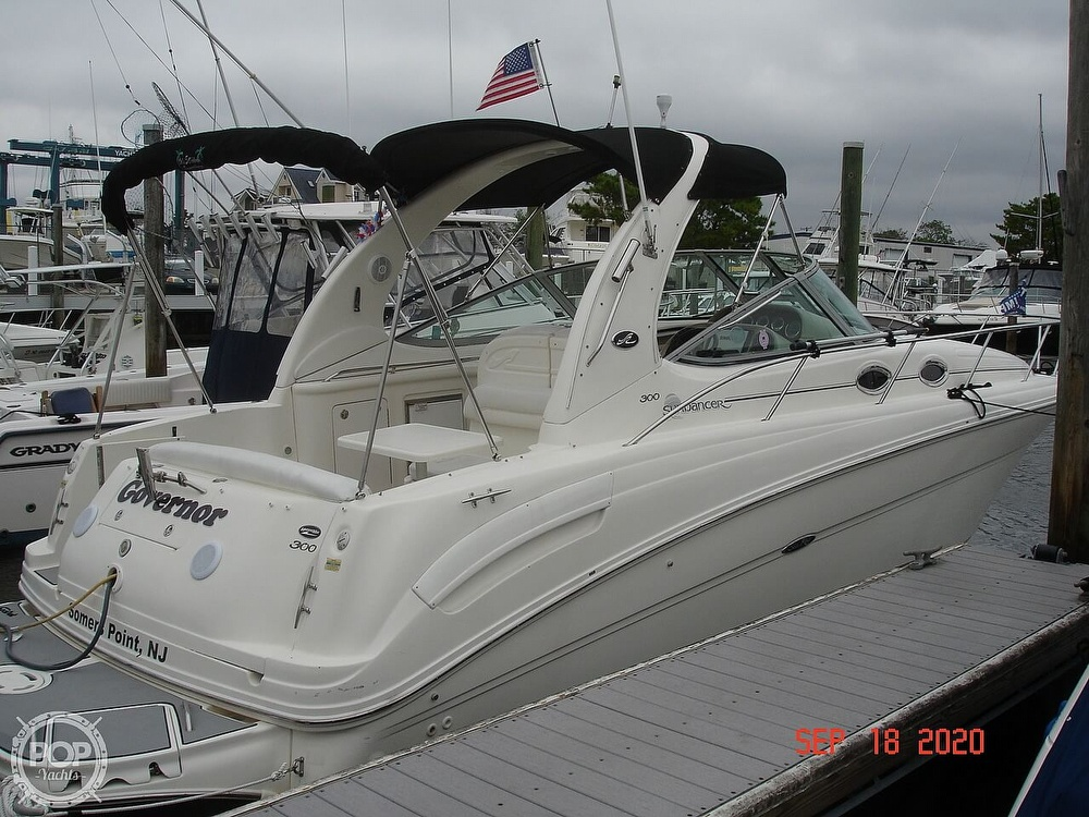 2004 Sea Ray boat for sale, model of the boat is 300 Sundancer & Image # 18 of 40