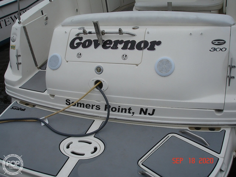 2004 Sea Ray boat for sale, model of the boat is 300 Sundancer & Image # 26 of 40