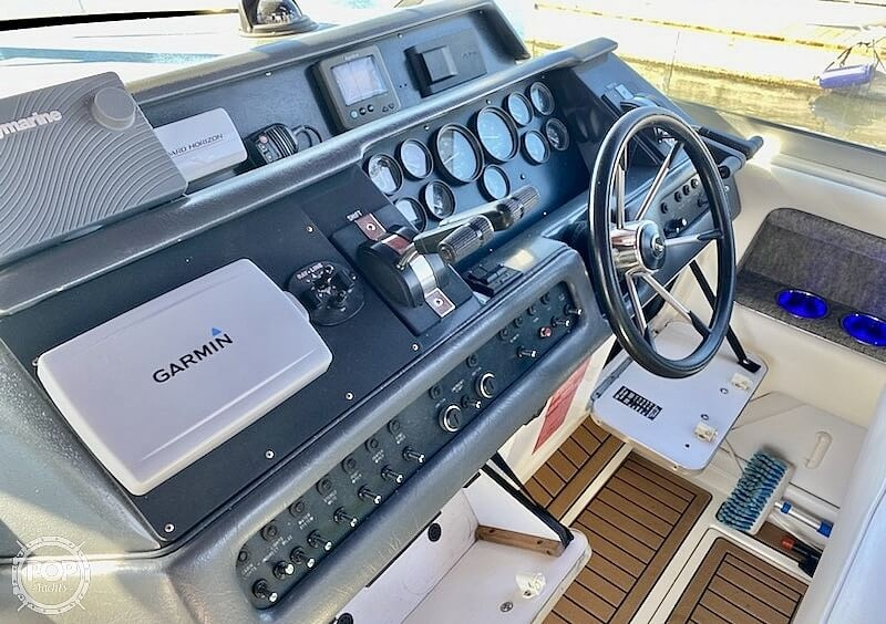 1992 Sea Ray boat for sale, model of the boat is 330 EC & Image # 20 of 41