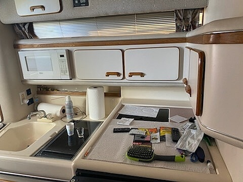 1992 Sea Ray boat for sale, model of the boat is 330 EC & Image # 17 of 41