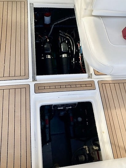 1992 Sea Ray boat for sale, model of the boat is 330 EC & Image # 34 of 41