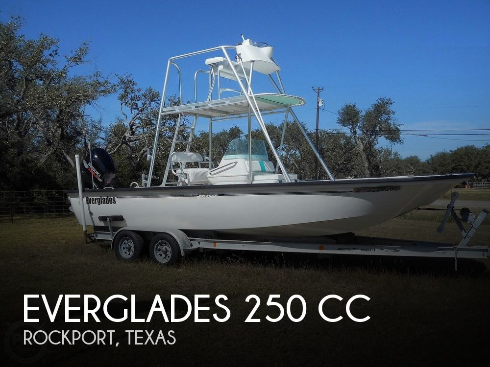 2004 Everglades boat for sale, model of the boat is 250 CC & Image # 1 of 40