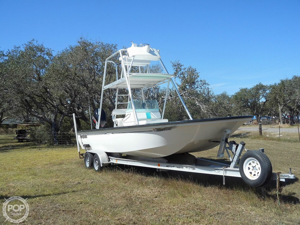 2004 Everglades boat for sale, model of the boat is 250 CC & Image # 4 of 40