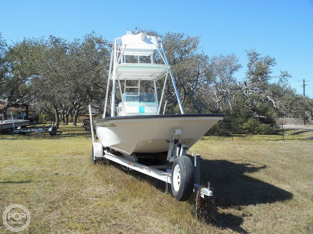 2004 Everglades boat for sale, model of the boat is 250 CC & Image # 5 of 40