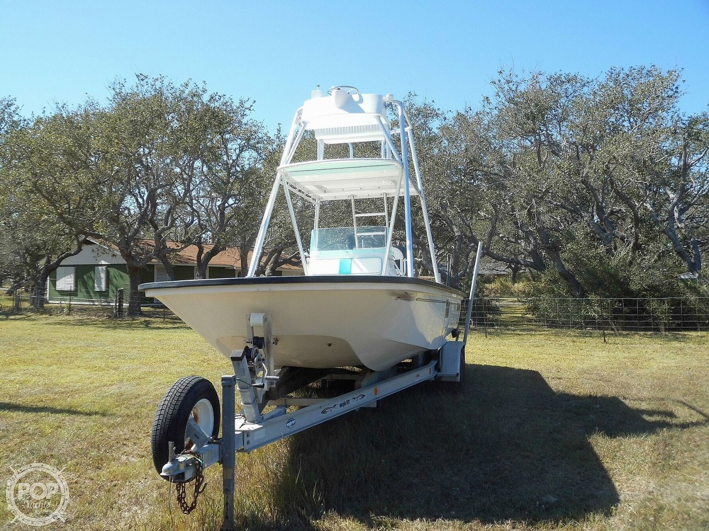 2004 Everglades boat for sale, model of the boat is 250 CC & Image # 6 of 40