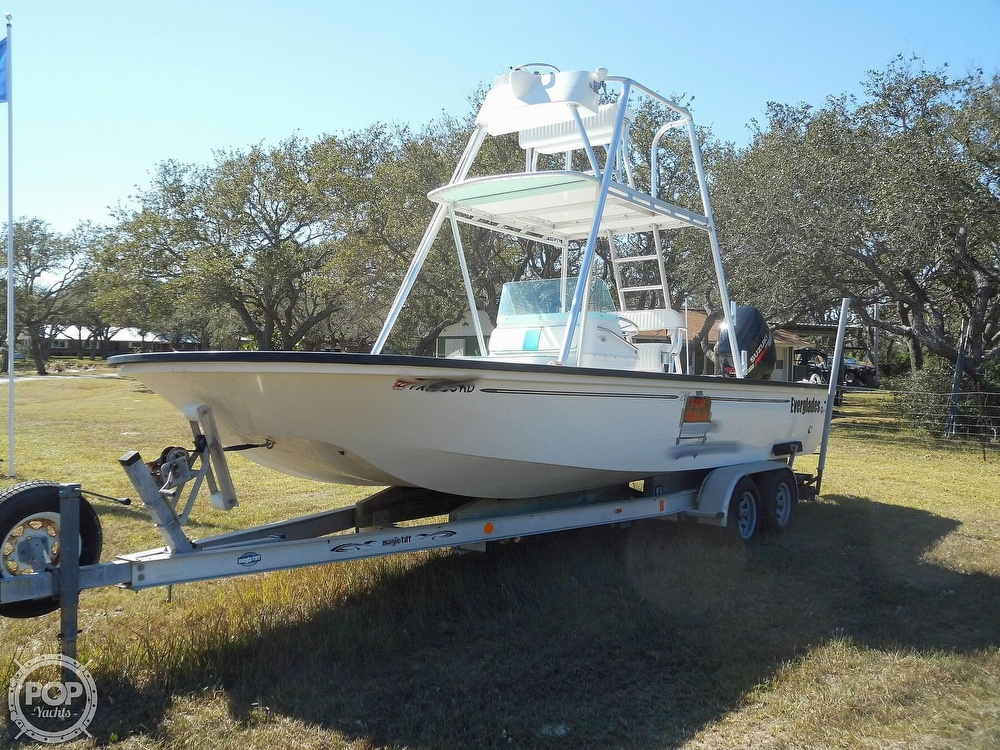 2004 Everglades boat for sale, model of the boat is 250 CC & Image # 7 of 40