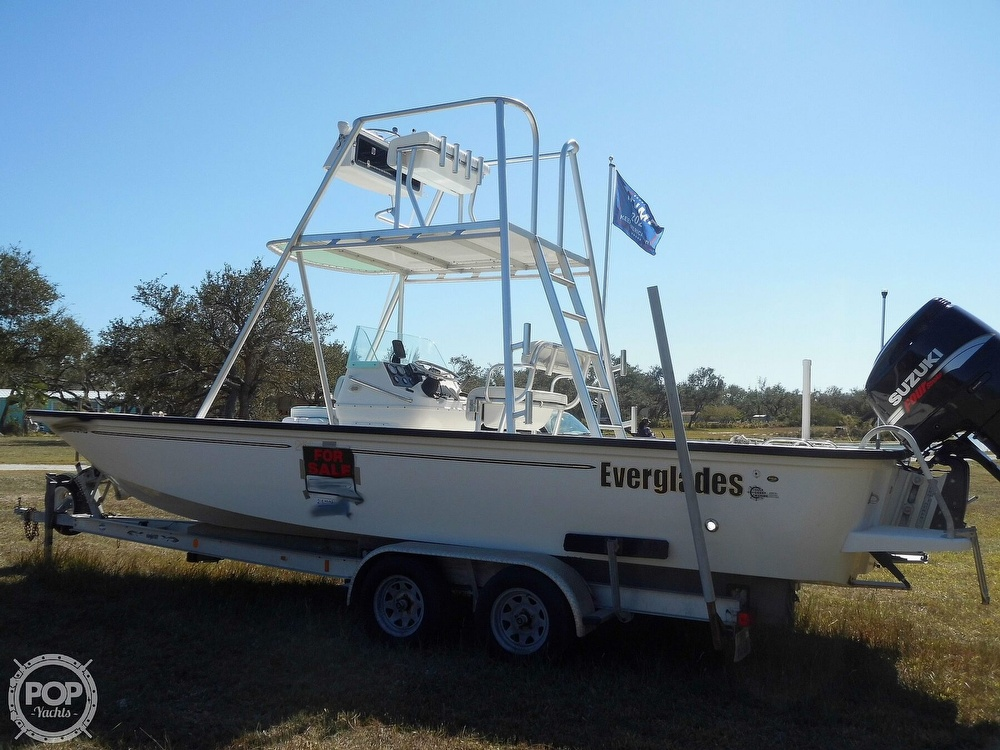 2004 Everglades boat for sale, model of the boat is 250 CC & Image # 8 of 40