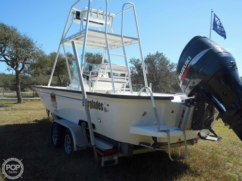 2004 Everglades boat for sale, model of the boat is 250 CC & Image # 9 of 40