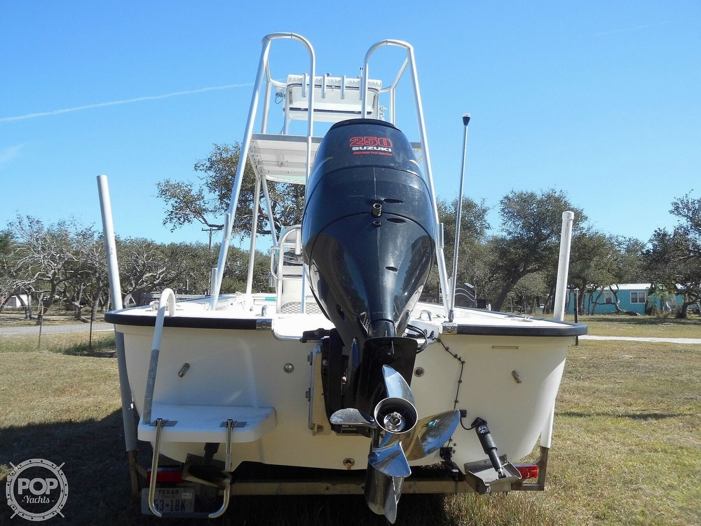 2004 Everglades boat for sale, model of the boat is 250 CC & Image # 10 of 40