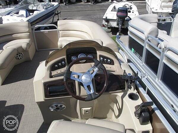 2015 Bennington boat for sale, model of the boat is 2075 GS Saltwater Series & Image # 7 of 40