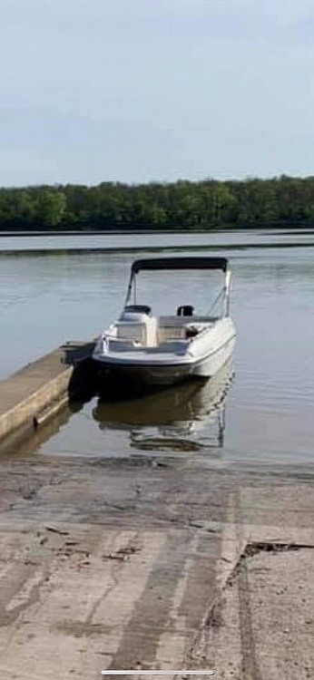1999 Bayliner boat for sale, model of the boat is Rendezvous & Image # 3 of 13