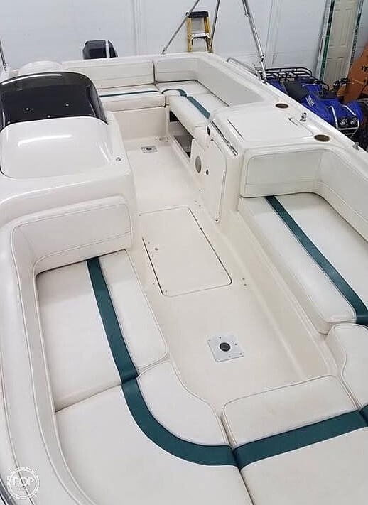 1999 Bayliner boat for sale, model of the boat is Rendezvous & Image # 5 of 13