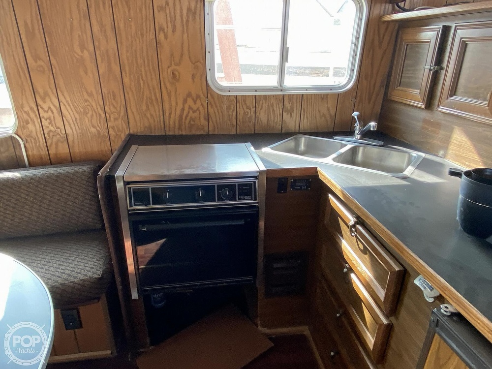 1984 Holiday Mansion boat for sale, model of the boat is Barracuda 36 & Image # 25 of 40