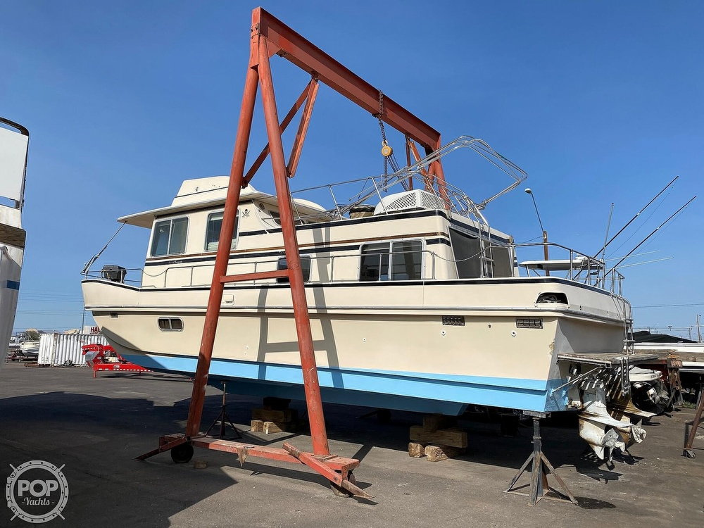 1984 Holiday Mansion boat for sale, model of the boat is Barracuda 36 & Image # 2 of 40