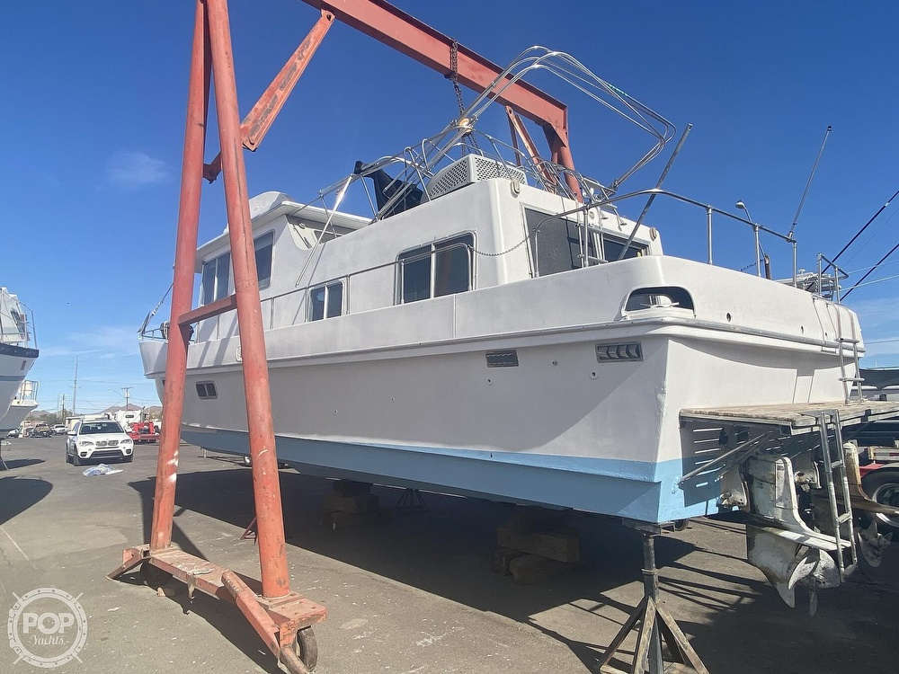 1984 Holiday Mansion boat for sale, model of the boat is Barracuda 39 & Image # 3 of 40