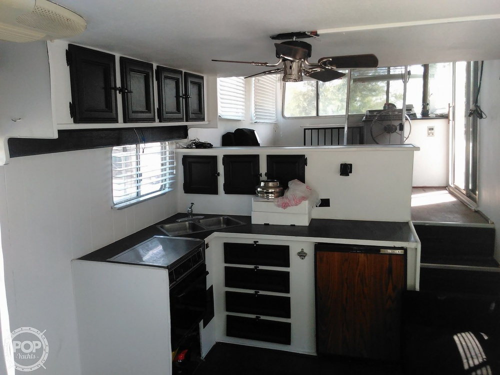 1984 Holiday Mansion boat for sale, model of the boat is Barracuda 39 & Image # 16 of 40