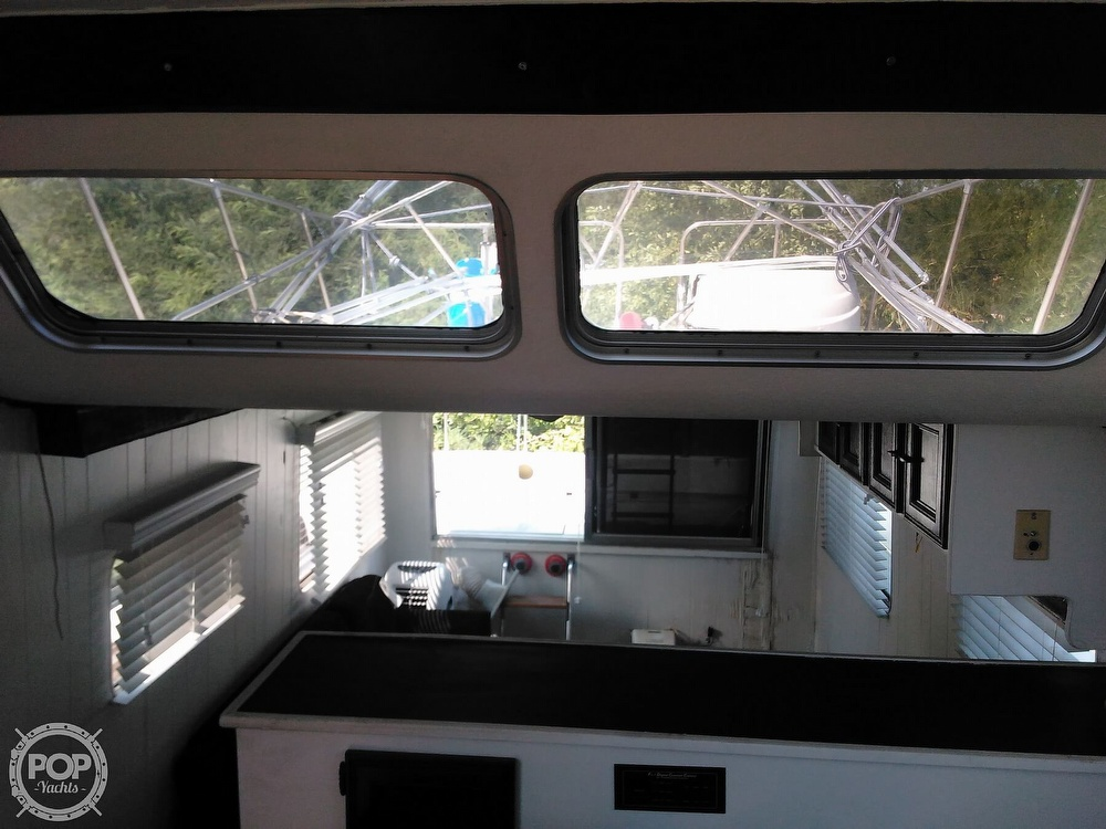 1984 Holiday Mansion boat for sale, model of the boat is Barracuda 39 & Image # 18 of 40