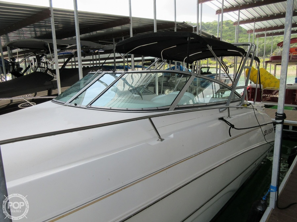 2002 Larson boat for sale, model of the boat is Cabrio 274 & Image # 28 of 40