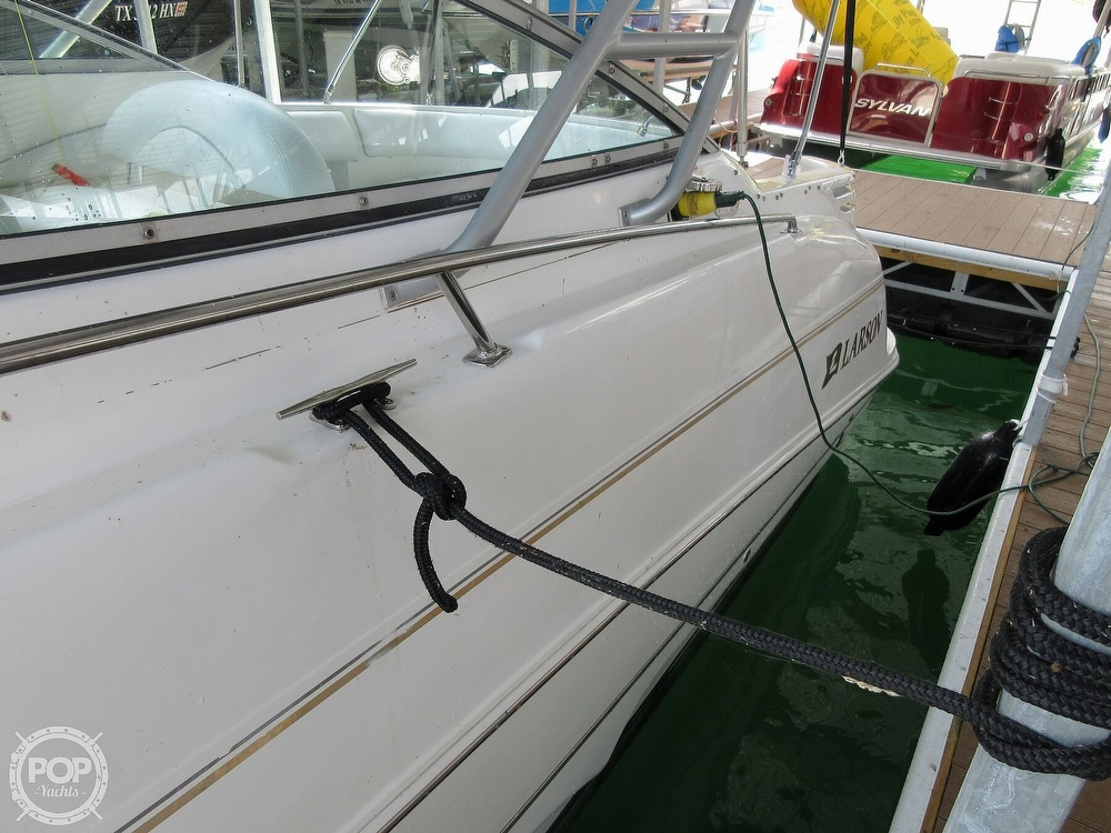 2002 Larson boat for sale, model of the boat is Cabrio 274 & Image # 30 of 40