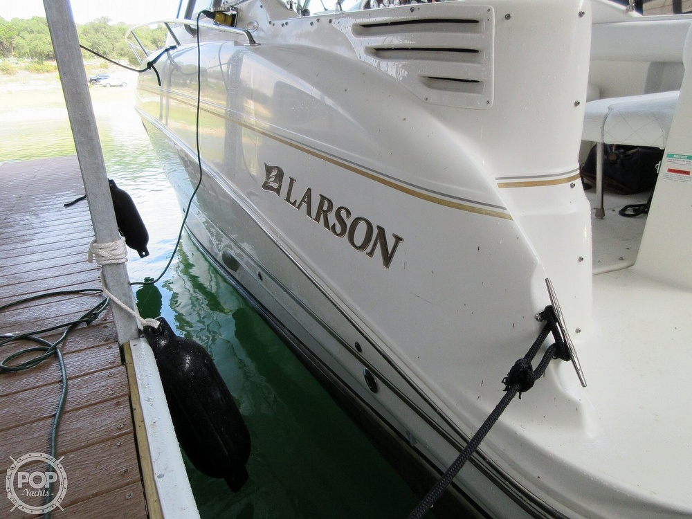 2002 Larson boat for sale, model of the boat is Cabrio 274 & Image # 34 of 40