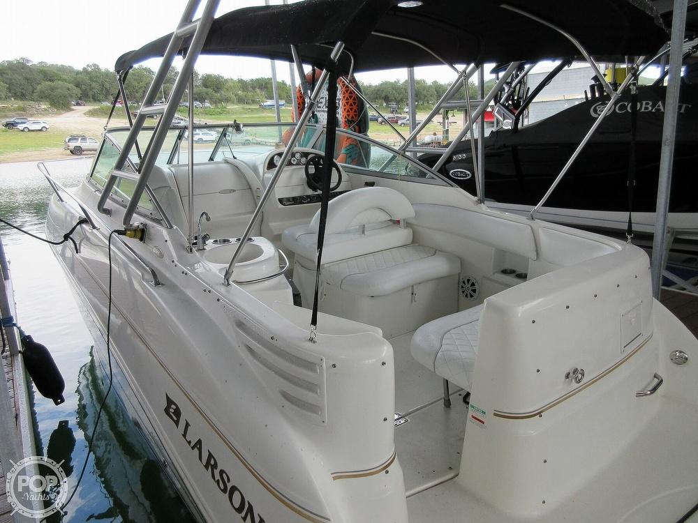 2002 Larson boat for sale, model of the boat is Cabrio 274 & Image # 2 of 40