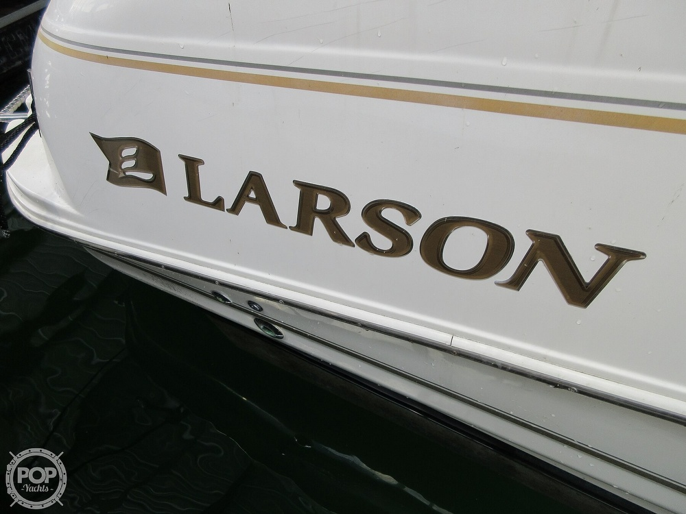 2002 Larson boat for sale, model of the boat is Cabrio 274 & Image # 20 of 40